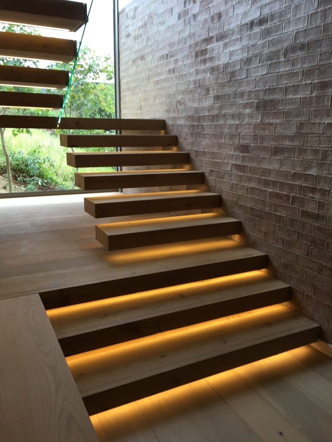 Oak staircase with Panga Panga inlays